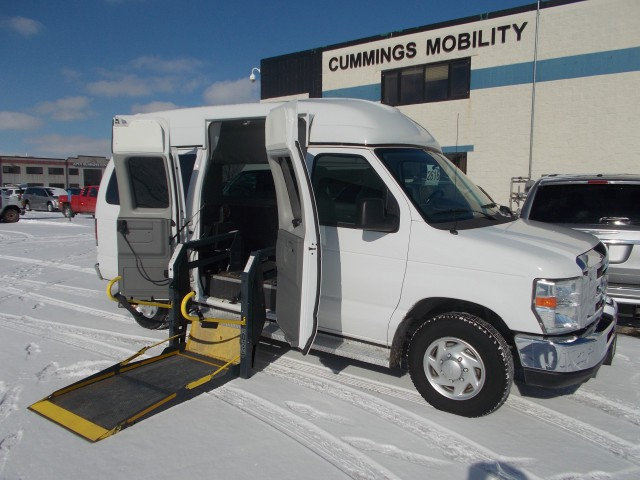 2010 Ford E Series Wagon Non Branded Wheelchair Lift Tiedownswheelchair Van For Sale